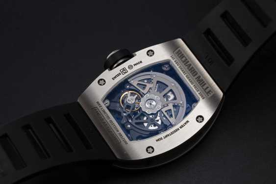 RICHARD MILLE, A TITANIUM RM010 TO MARK 1st ABU DHABI F1 GRAND PRIX, MBZ LIMITED EDITION 081/200 - photo 2