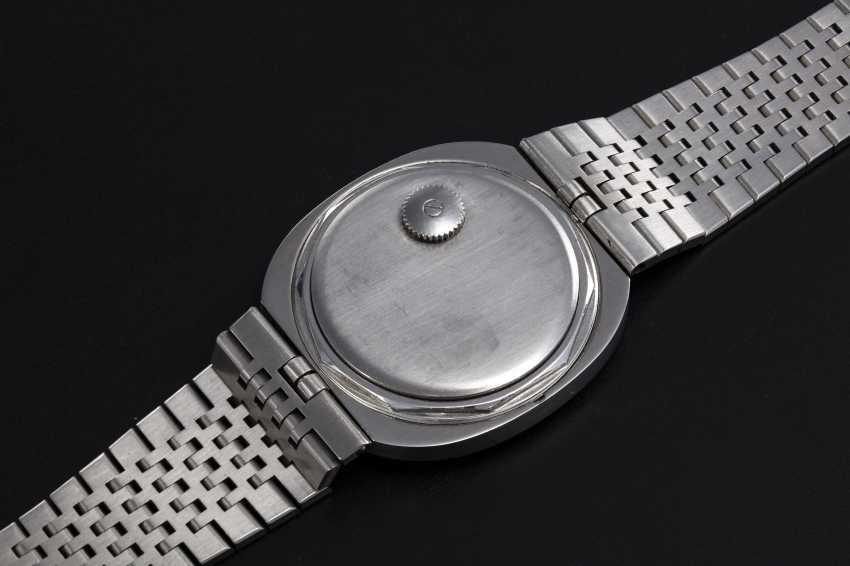 PATEK PHILIPPE, REF. 3580, A RARE STEEL OVAL HAMMERED METAL DECORATION DRESS WATCH - photo 2