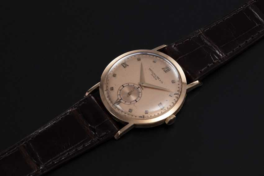 PATEK PHILIPPE, REF. 1538, A POSSIBLY UNIQUE PINK GOLD MANUAL-WINDING CALATRAVA - photo 1