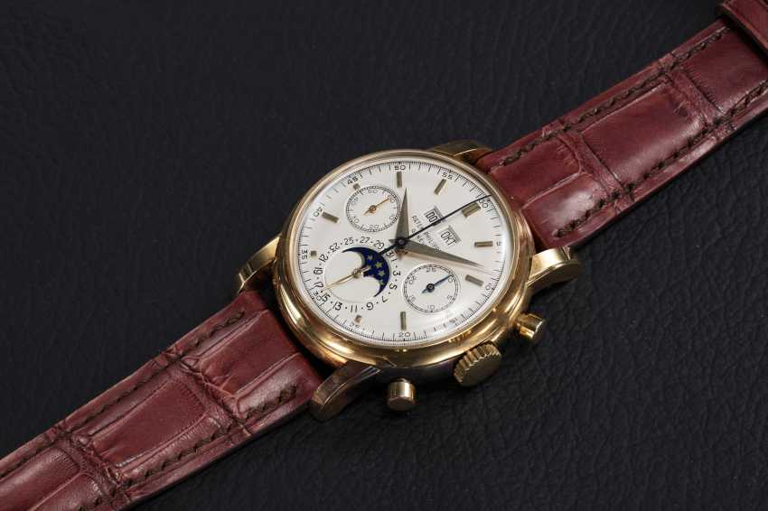 PATEK PHILIPPE, REF. 2499 THIRD SERIES, A RESTORED GOLD PERPETUAL CALENDAR CHRONOGRAPH - photo 1