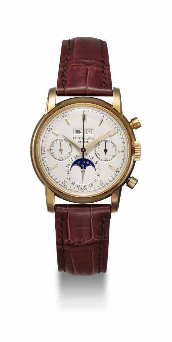 PATEK PHILIPPE, REF. 2499 THIRD SERIES, A RESTORED GOLD PERPETUAL CALENDAR CHRONOGRAPH - photo 3