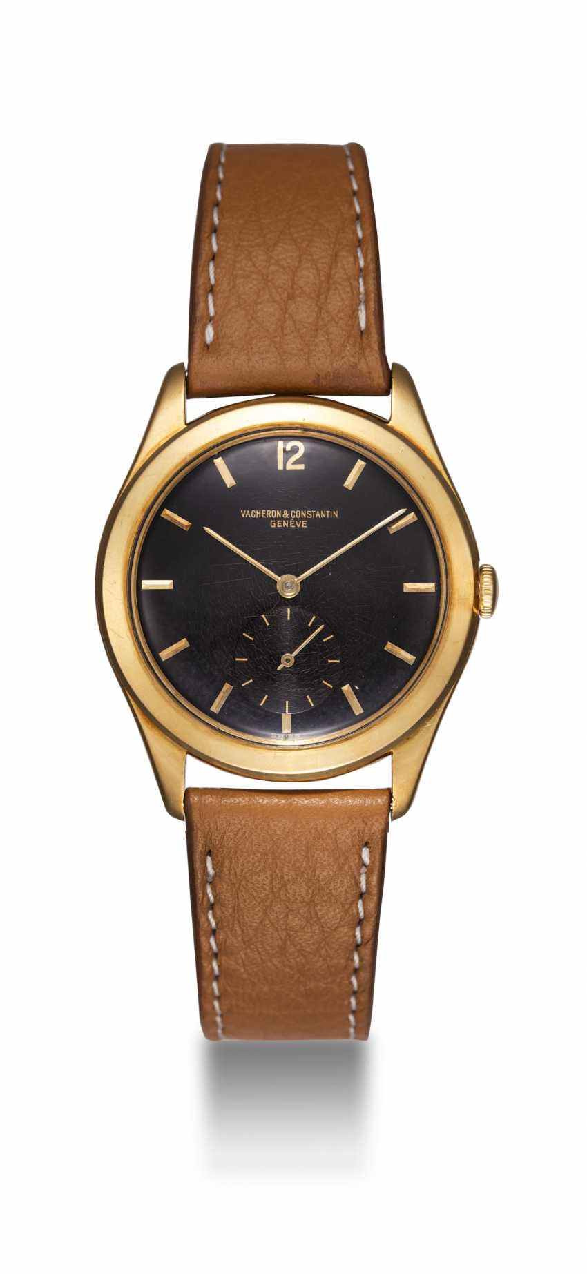 VACHERON CONSTANTIN, A GOLD MANUAL-WINDING DRESS WATCH - photo 3