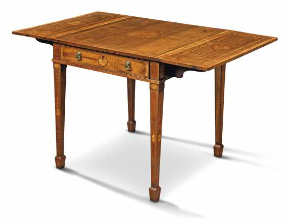 A GEORGE III TULIPWOOD-CROSSBANDED, HAREWOOD, INDIAN ROSEWOOD AND FRUITWOOD MARQUETRY PEMBROKE TABLE - photo 3