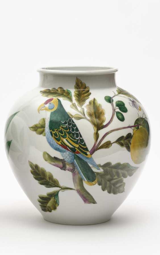 Ball vase, Nymphenburg designed by Robert Raab, executed by Anna Schürer-Renz, around 1955 - photo 1