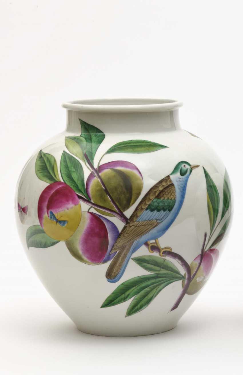 Ball vase, Nymphenburg designed by Robert Raab, executed by Anna Schürer-Renz, around 1955 - photo 2