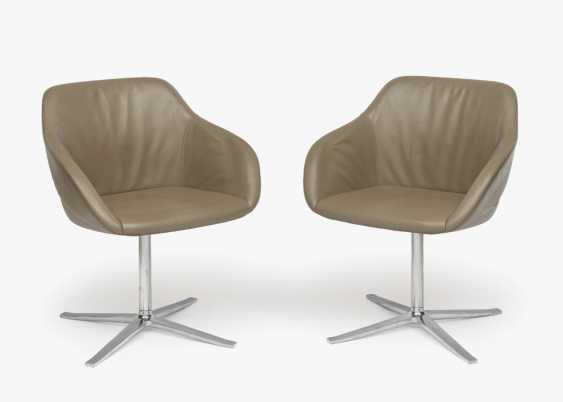 "Three ""Kyo"" swivel armchairs, Knoll International - photo 1"