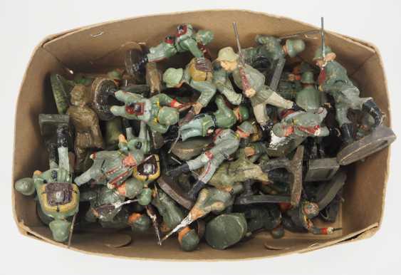 Wehrmacht: Elastolin- / Masse-Figuren. - photo 2