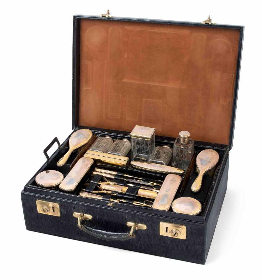 Lot 4219 Cartier Reisenecessaire From The Auction Catalog