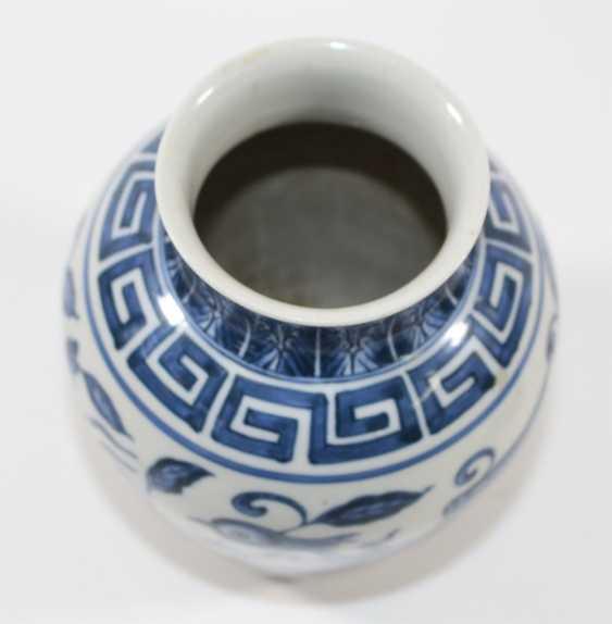 China vase with phoenix - photo 3