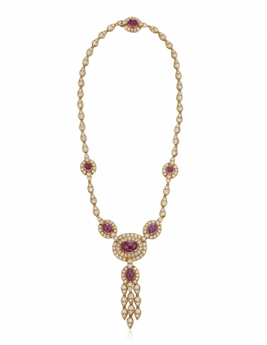 GRAFF DIAMOND AND RUBY NECKLACE AND EARRINGS - photo 3