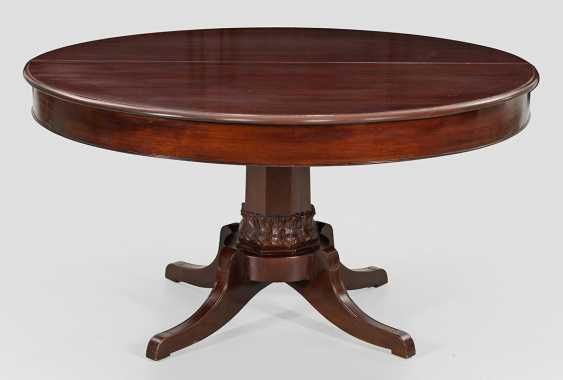 Large Regency Extending Table - photo 1