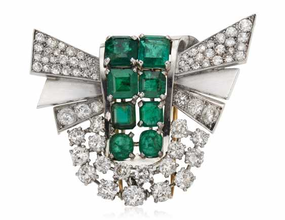 EMERALD, SIMULATED EMERALD AND DIAMOND BROOCH - photo 1