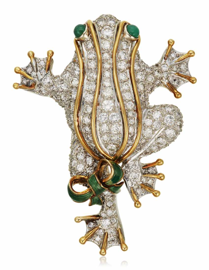 DIAMOND AND EMERALD FROG BROOCH - photo 1