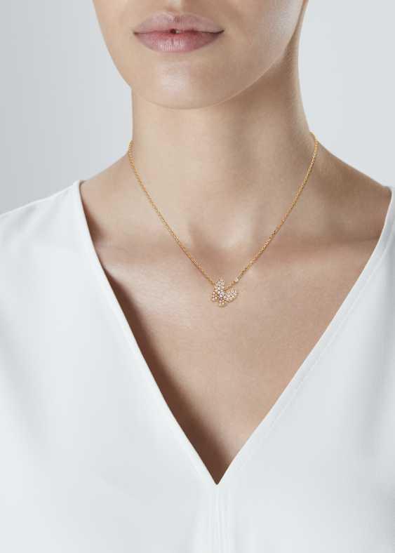 VAN CLEEF & ARPELS DIAMOND BUTTERFLY PENDANT NECKLACE - photo 2