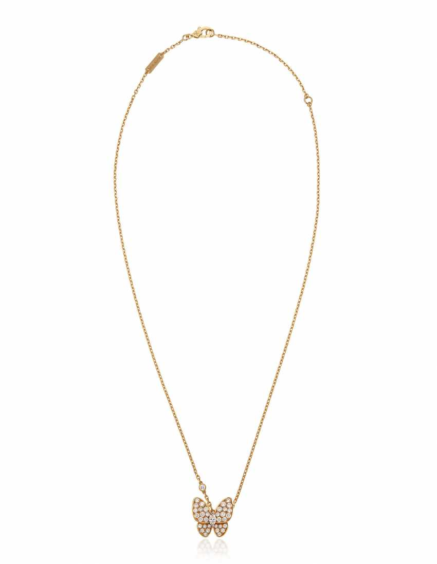 VAN CLEEF & ARPELS DIAMOND BUTTERFLY PENDANT NECKLACE - photo 3