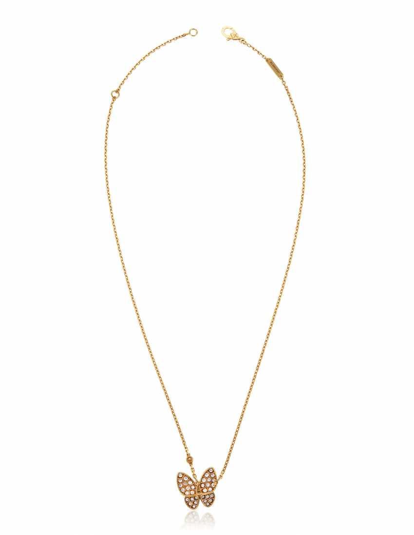 VAN CLEEF & ARPELS DIAMOND BUTTERFLY PENDANT NECKLACE - photo 4