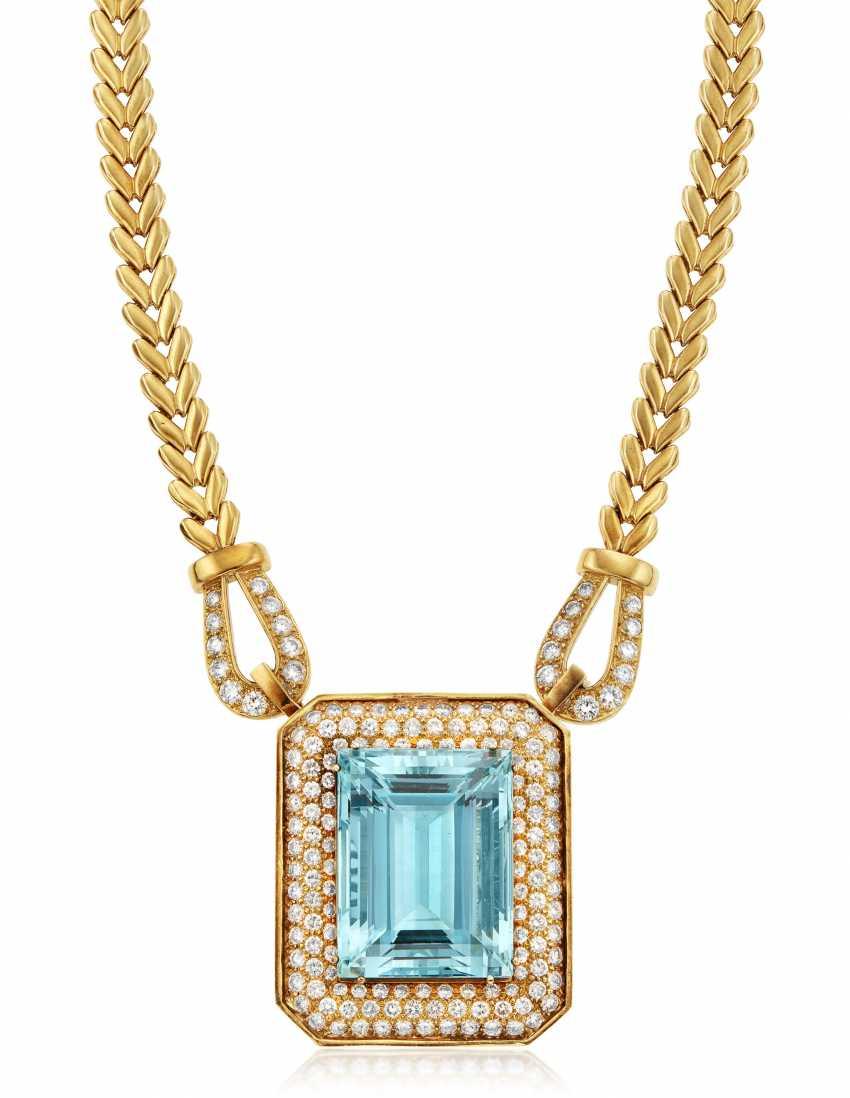 AQUAMARINE, DIAMOND AND GOLD NECKLACE - photo 1