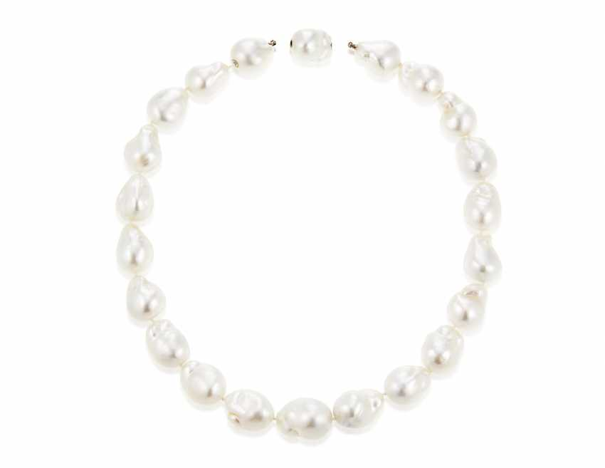 TIFFANY & CO. CULTURED PEARL NECKLACE - photo 4
