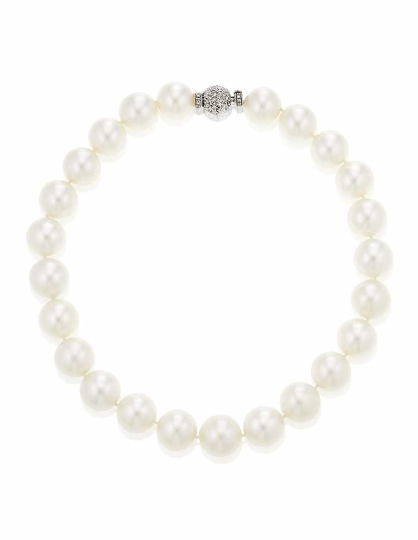 SINGLE-STRAND CULTURED PEARL NECKLACE - photo 3