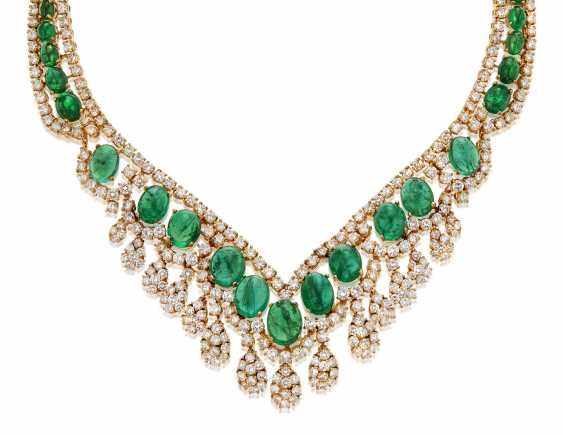 EMERALD AND DIAMOND NECKLACE - photo 1