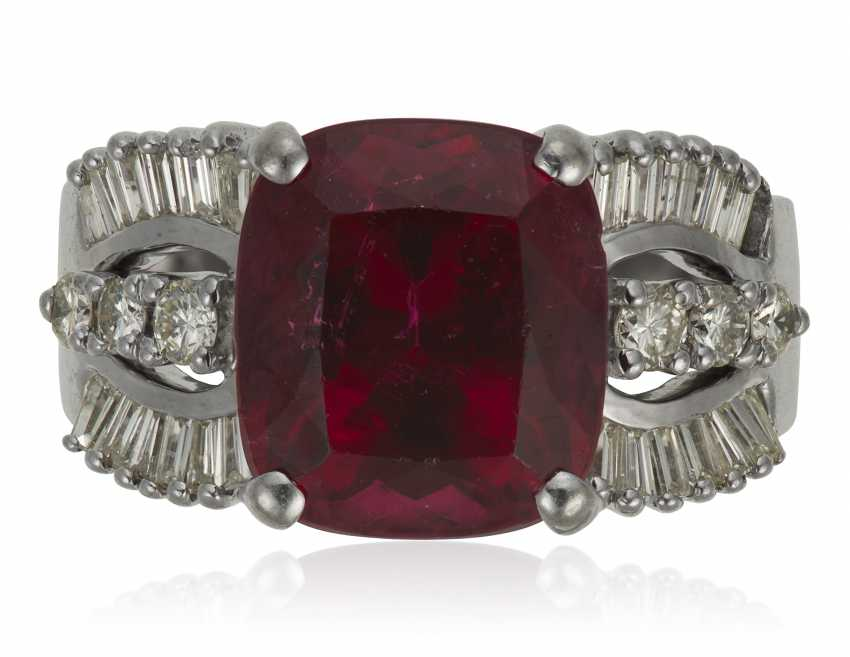 RUBELLITE TOURMALINE AND DIAMOND RING - photo 1