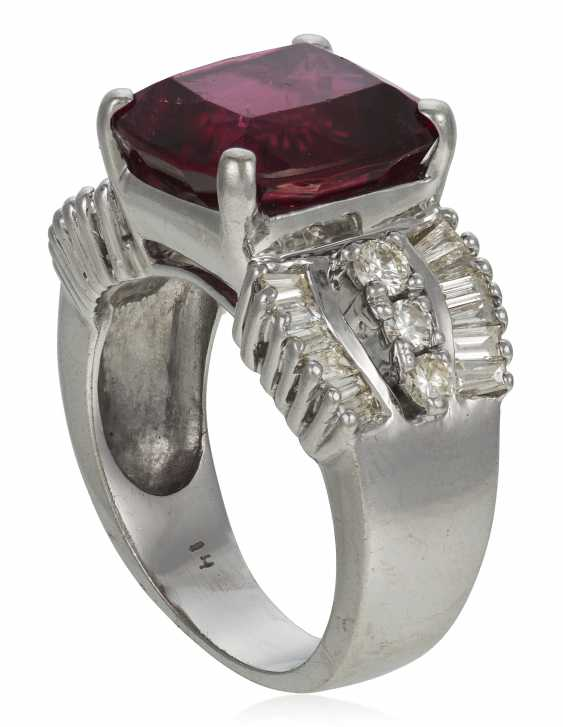 RUBELLITE TOURMALINE AND DIAMOND RING - photo 3