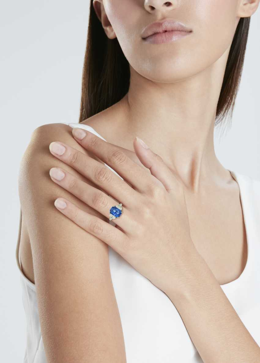 SAPPHIRE AND DIAMOND RING - photo 2