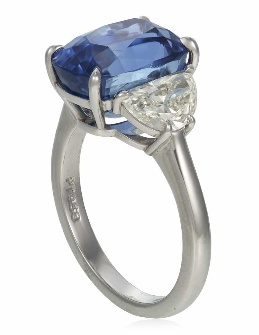 SAPPHIRE AND DIAMOND RING - photo 3