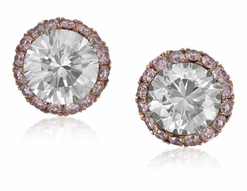 COLORED DIAMOND STUD EARRINGS - photo 1