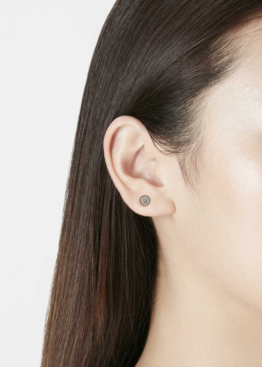 COLORED DIAMOND STUD EARRINGS - photo 2