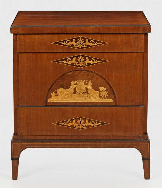 Small Biedermeier Chest Of Drawers - photo 1