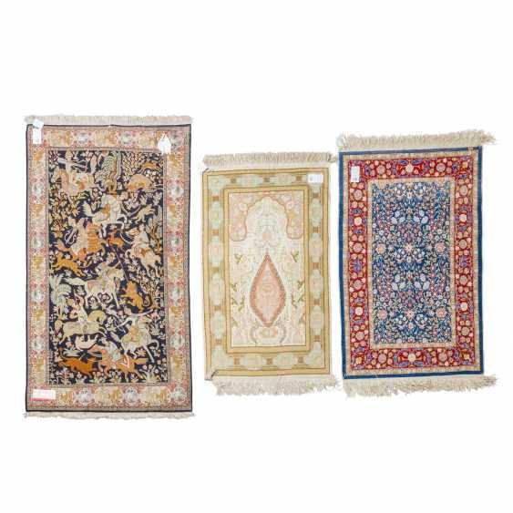 3 oriental carpets made of silk - photo 2
