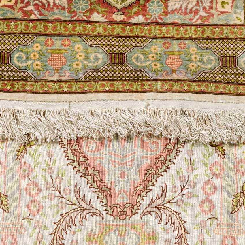3 oriental carpets made of silk - photo 4