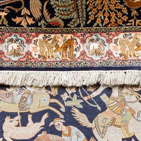 3 oriental carpets made of silk - photo 5