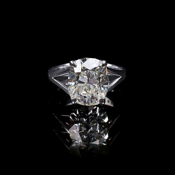 Top-class solitaire diamond ring - photo 1
