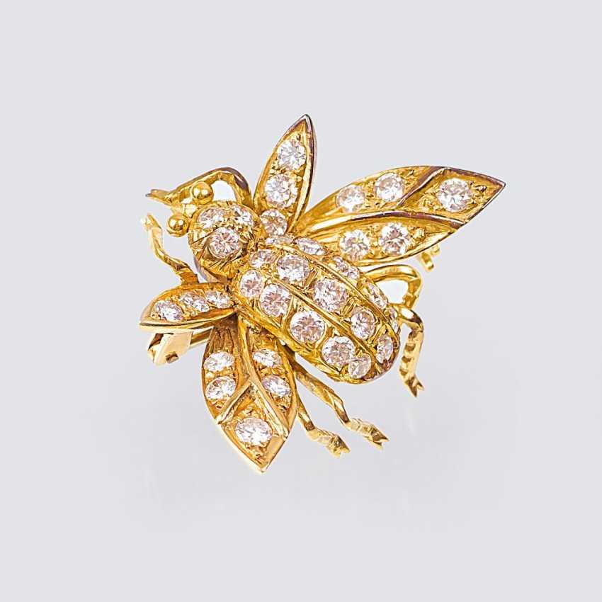 Dainty diamond brooch 'bow tie' - photo 1