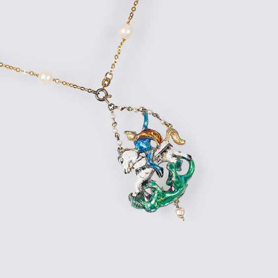 Pendant 'St. George with a dragon on a gold chain - photo 1