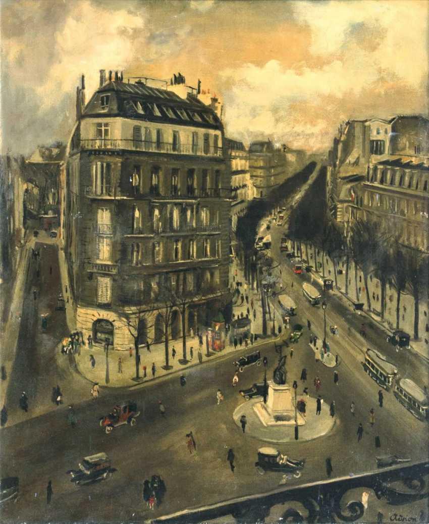Boulevard in Paris - photo 1