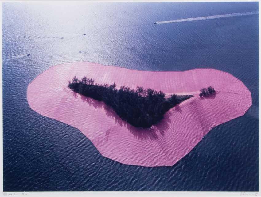 Surrounded Islands - set of 4 photographs - photo 1