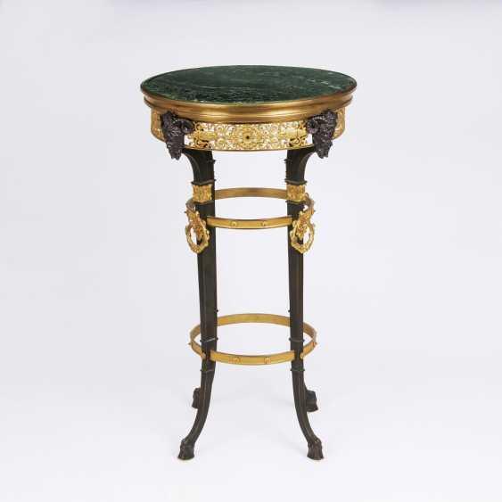 Napoleon III - Pedestal table mit Satyrköpfen - photo 1