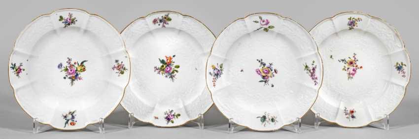 Vier Zierteller mit Blumendekor - photo 1