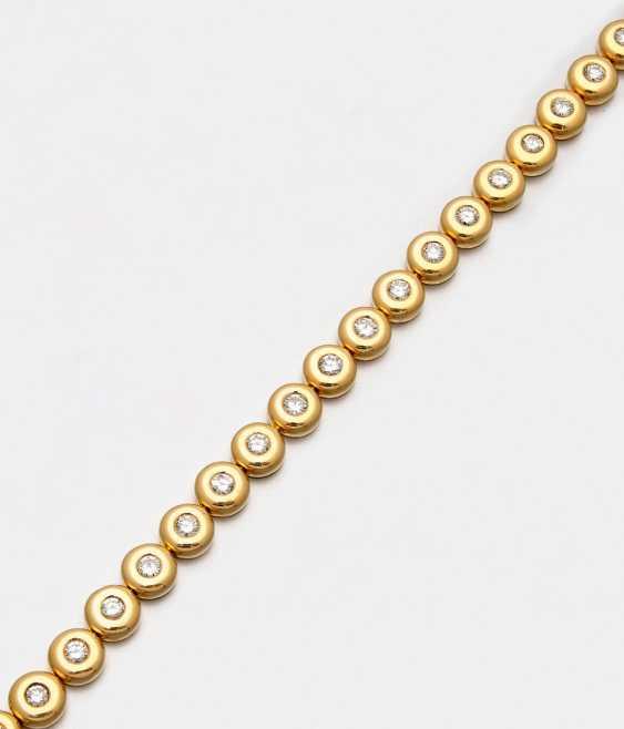 Tennis bracelet with diamonds - photo 1