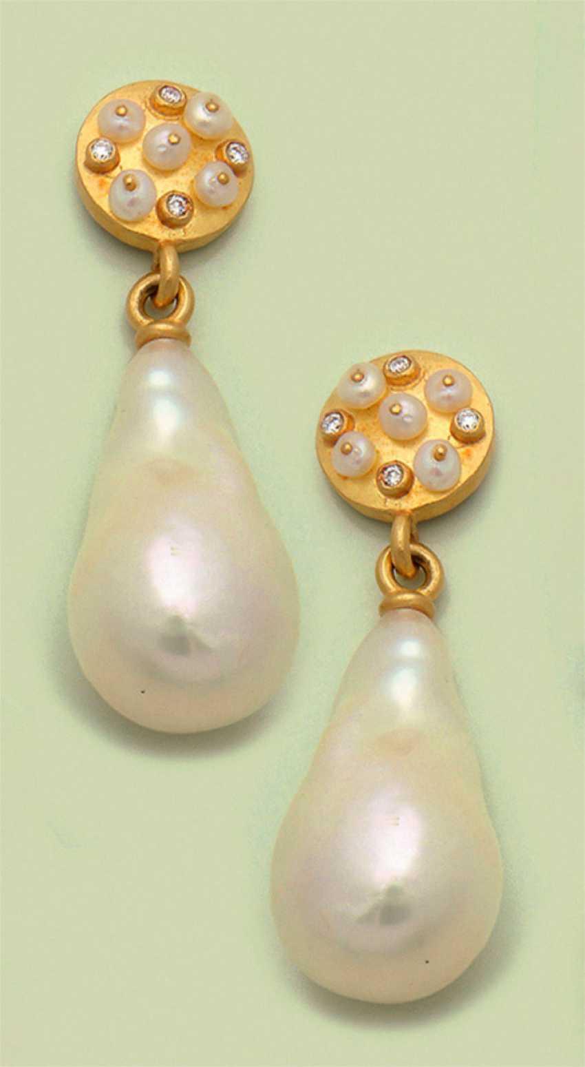 Pair of pearl earrings by Frank Kutzick, Hamburg - photo 1