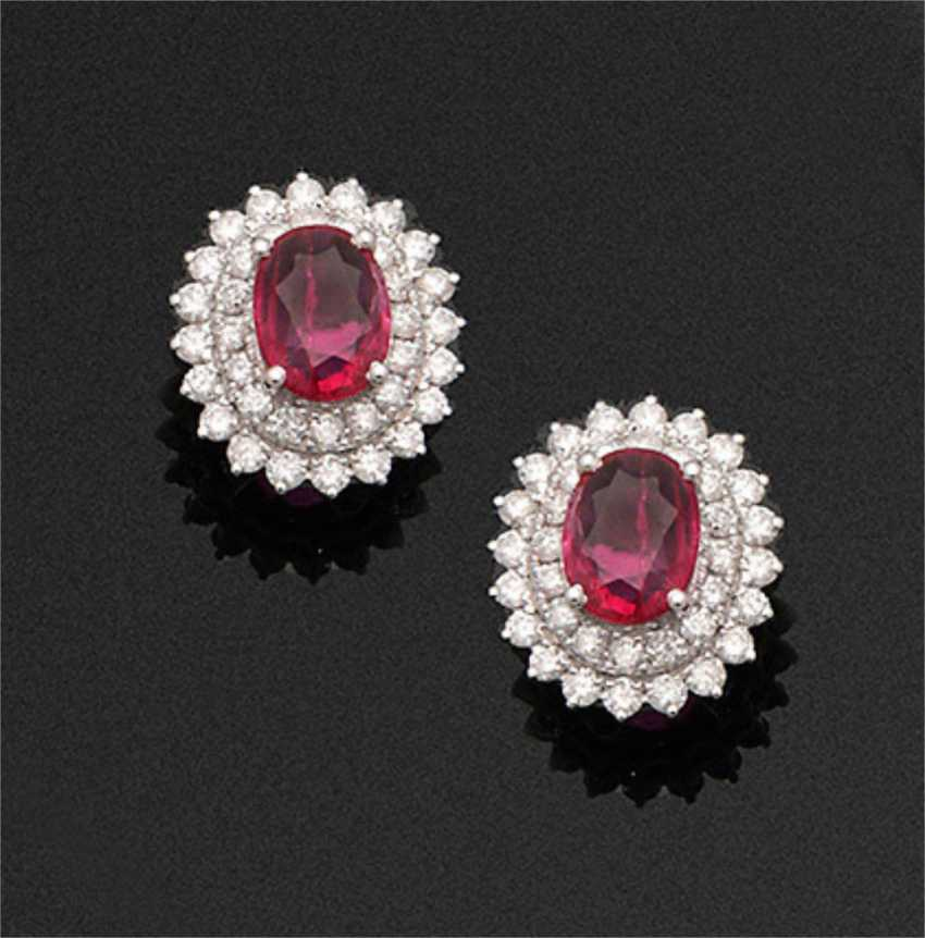 Pair of very fine ruby and diamond earrings - photo 1