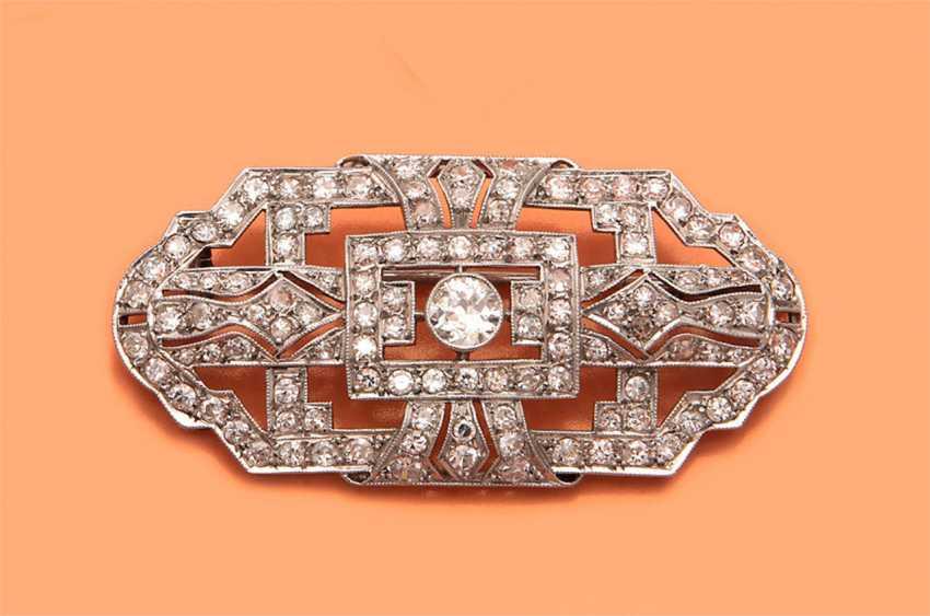 Art Deco brooch with diamonds - photo 1
