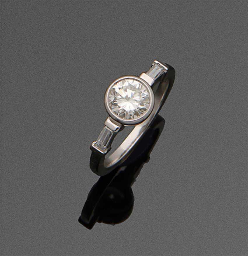 Art Deco Diamond Solitaire Ring - photo 1