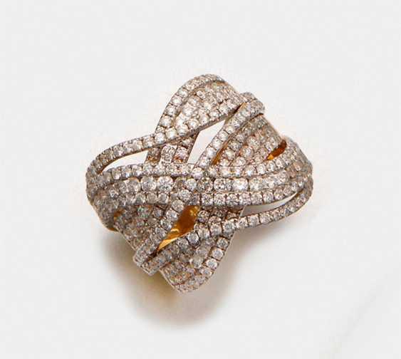 Representative crossover diamond ring - photo 1
