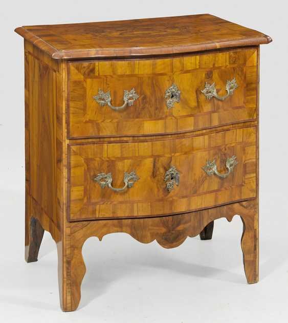Baroque Arrow To The Chest Of Drawers - photo 1
