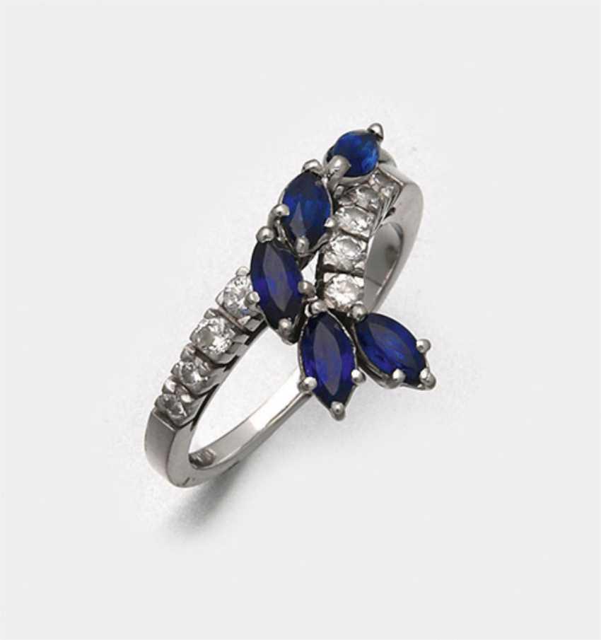 Elegant sapphire diamond ring - photo 1