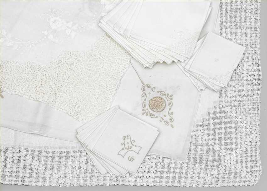 Three tablecloths with napkins - photo 1